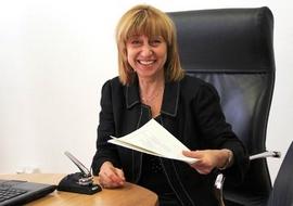 Анелия Клисарова очаква бюджетът за образование да бъде увеличен от 3,5 на 4% от БВП