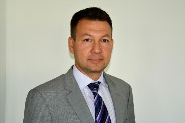 """""""Подобно на внедряване на ERP, при миграцията към облачни системи доставчикът трябва да разбере бизнеса на потребителската организация, да вникне в нейните специфики и да """"скрои"""" технологичното решение"""", убеден е Вихрен Славчев, управител на """"Мнемоника"""""""