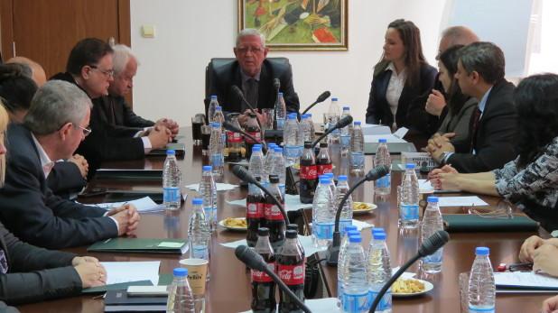 Участниците в дискусията обмениха идеи за сближаване на учебните планове по международна икономика