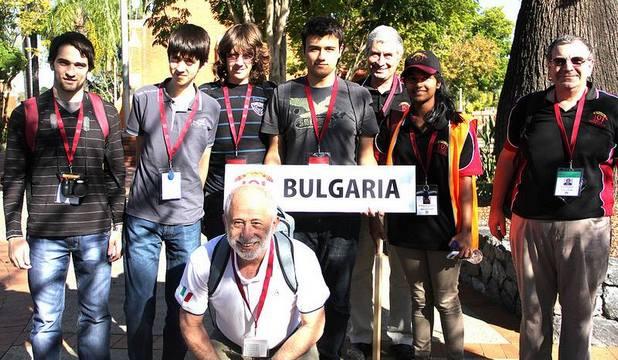 Българските информатици спечелиха един златен, два сребърни и един бронзов медал на олимпиадата в Австралия