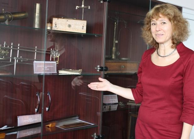 Своеобразният музей на метрологията в една от залите на БИМ включва прибори и измервателни уреди от различни години