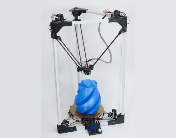 BI V2.0 3D може да работи напълно самостоятелно, без компютър, благодарение на интегрирания LCD контролер