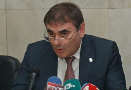Данаил Папазов представи пилотна услуга на БДЖ за онлайн резервация и билетоиздаване