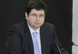 Не е задължително държавата пряко с пари от бюджета да участва в процеса на реиндустриализация, заяви Петър Чобанов