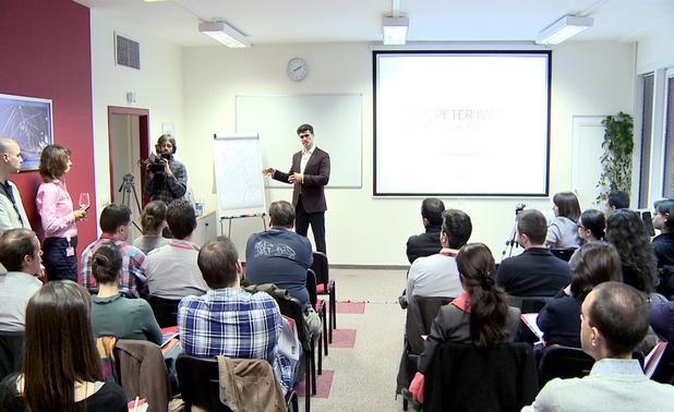 Интересът към първата у нас презентация на Петър Иванов, който работи и живее в Германия, бе изключително голям