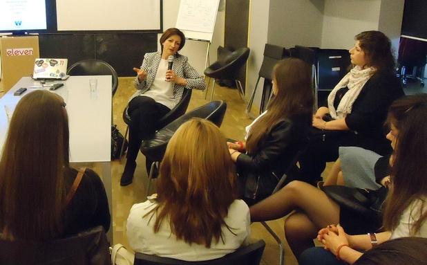 """""""Повече момичета и жени в технологиите и предприемачеството е шансът на България за стабилна и силна икономика"""", каза Саша Безуханова по време на """"Предприемачески Speed Dating"""""""