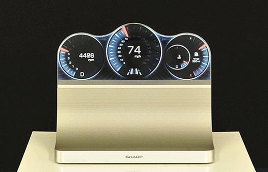 Новите дисплеи ще намерят приложение в смарт часовници и автомобилна електроника (снимка: Sharp)