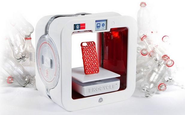 Ekocycle Cube 3D Printer използва специални касети, напълнени с консуматив от минимум три пластмасови бутилки Кока-Кола