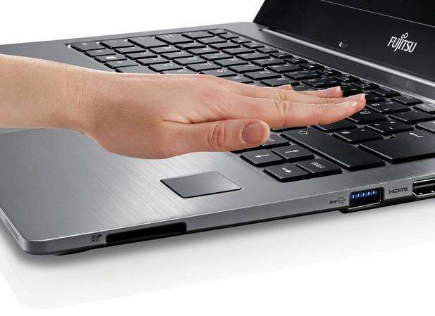 PalmSecure се явява надеждно решение за предотвратяване на неразрешен достъп и защита на данни (снимка: Fujitsu)