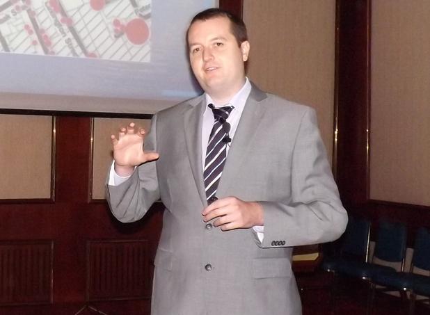 Facebook знае с кого ще излизате след 2 седмици, пошегува се Марио Майр-Убер в лекцията си на форум за големите данни, организиран в София от IDC България