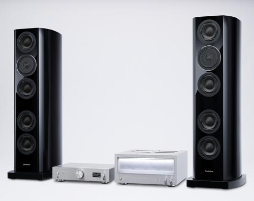 Technics R1 се състои от стереоусилвател SE-R1, мрежов плейър SU-R1 и две колонки