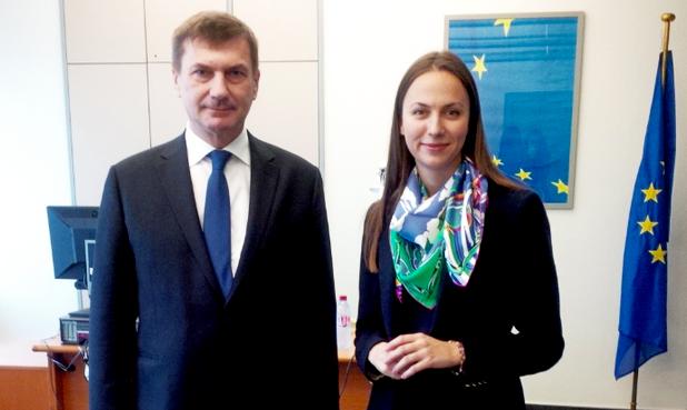 Ева Паунова участва в дебат относно единния цифров пазар със заместник-председателя на Европейската комисия - Андрус Ансип