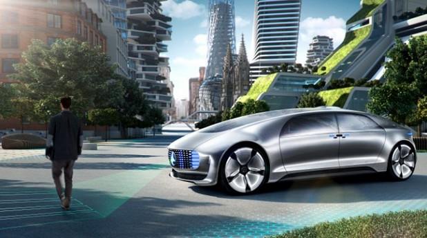 Безпилотната кола F015 Luxury in Motion се отличава с уникален интериор и външен вид