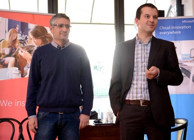 Все повече клиенти гледат на продуктите на Microsoft като бизнес платформа за колаборация, а не като лицензионно решение, заяви Димитър Каданов (вдясно)