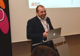 Хората в компаниите търсят откритост, искат да бъдат ангажирани, да имат цел, а не просто да спазват работното време, заяви Горан Ангелов