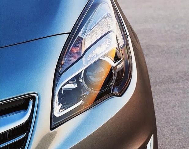 Нова система от автомобилни светлини на Opel буквално ще превръща нощта в ден пред очите на водача, без да пречи ни най-малко на останалите участници в движението