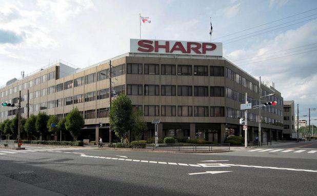 На фона на нарастващата конкуренция, Sharp търпи многомилионни загуби години наред