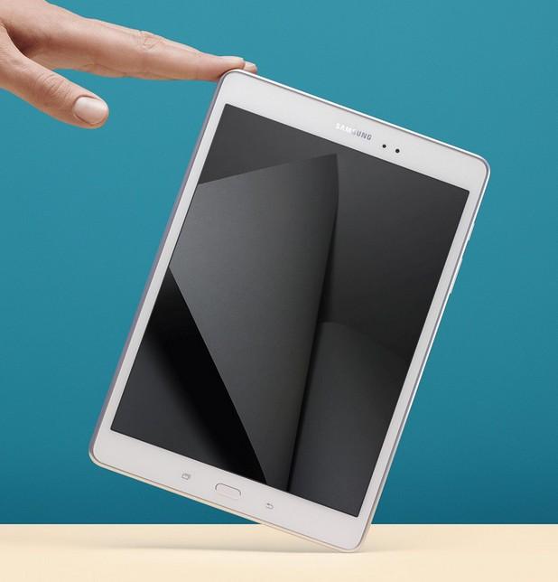 Samsung Galaxy Tab A има четириядрен процесор с тактова честота 1,2GHz, допълнен от 1,5GB или 2GB RAM и 16GB памет за съхранение