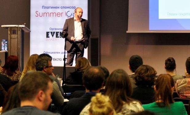 """Всички участници в онлайн търговията трябва да са наясно с промените в ЗЕТ за """"договора от разстояние"""", посочи Иван Бъчваров – главен секретар на КЗП"""