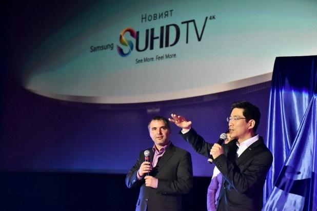 """""""Новата гама SUHD телевизори на Samsung e най-доброто в нашето портфолио"""", заяви Христофор Петков (вляво)"""