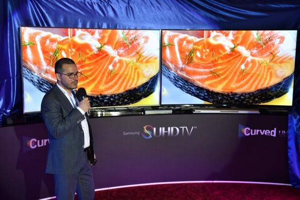 Във фокуса на вниманието бе моделът Samsung SUHD TV JS9500 със скосен дизайн с кант, който придава по-голяма дълбочина на екрана