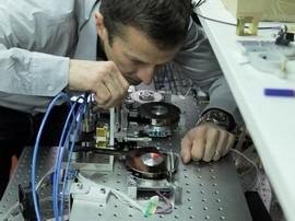 Плътността на записа на новата магнитна лента достига рекордните 220TB (снимка: IBM)
