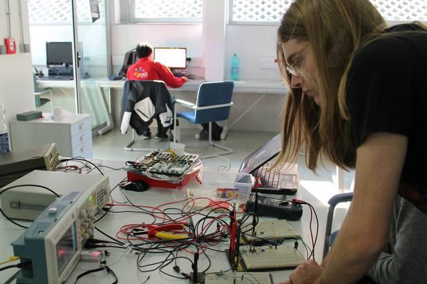 """Български студенти ще се обучат по """"Machine Learning"""" на семинар Петница, Сърбия"""