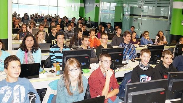 На 15 април стартират безплатните онлайн курсове за начинаещи в Академията на Телерик