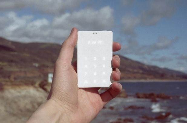 The Light Phone е пълна противоположност на съвременните умни телефони