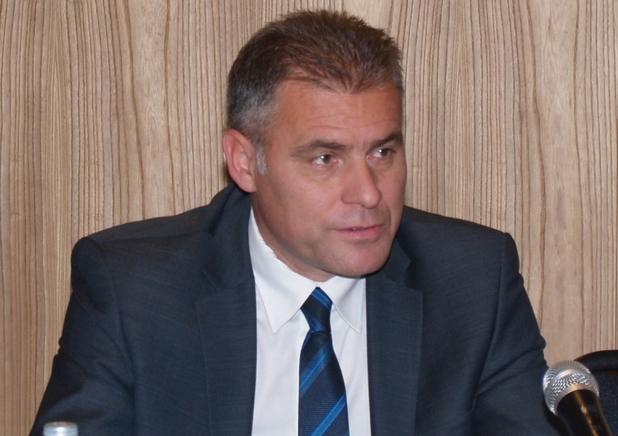 Децата трябва да знаят, че възможностите вървят ръка за ръка с рисковете, каза Валери Борисов