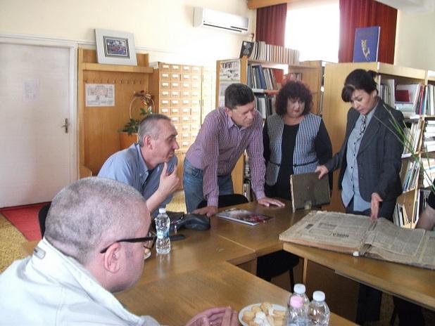 """Библиотека """"Зора"""" притежава по-голяма част от книжовното наследство на Сливен и региона (снимка: zora-sliven.net)"""