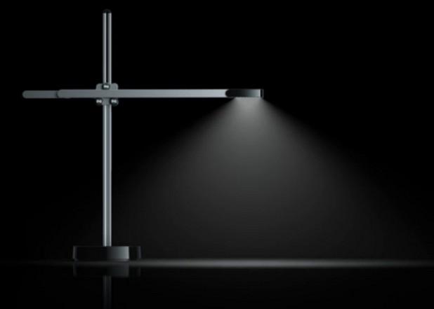 Dyson CSYS използва изключително ефективни топлинни тръби, които поддържат ниска температура за работа на светодиодите