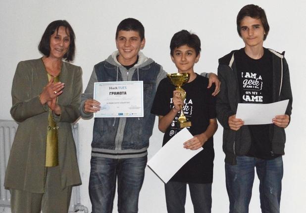 Отборът на Go6o грабна голямата награда в първия ученически хакатон HackTUES