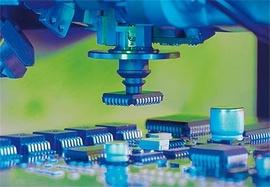 Китай консумира една трета от чиповете в света, но произвежда само 12% от тях