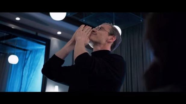"""Филмът """"Стив Джобс"""" изгражда един много личен портрет на лидера на Apple"""