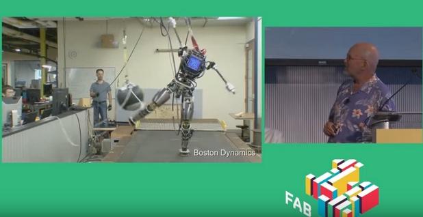 Роботът Atlas имитира принципите на движение на хората
