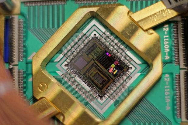 Иновативните процесори на D-Wave ще послужат като основа на квантовия компютър на Google