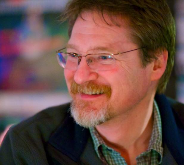 Усложнените софтуерни процеси идват от политиките, страха и съпротивата към промените, казва Джим Холмс, главен инструктор в Pillar Technology