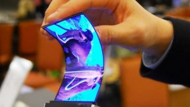 В момента Samsung произвежда по 9 милиона гъвкави OLED панели всеки месец и разширява капацитета си