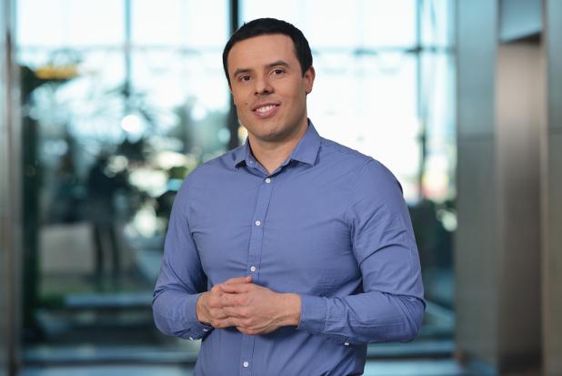 Димитър Влахов има 14-годишен опит в управлението, маркетинга и продажбите
