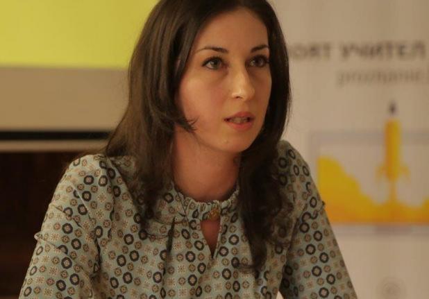 Вероника Козарева, директор Учебни дейности, разясни предимставата на първата по рода си у нас онлайн платформата Прознание