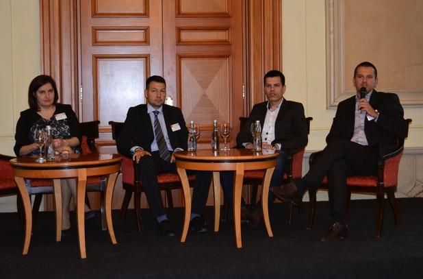 Доверие и специално отношение са факторите, които могат да стимулират малките фирми да преминат към облака – около това мнение се обединиха участниците в дискусия по време на IDC Cloud Leadership Forum 2016 в София