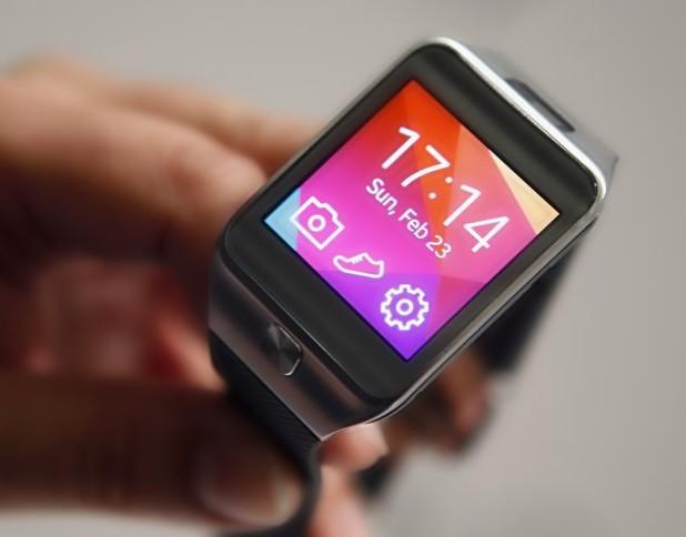 Бъдещите смарт часовници ще имат вграден проектор за управление чрез изображения на ръката