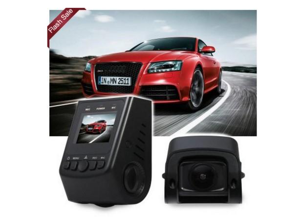 Камерата A118C Car DVR може да се настройва във всички посоки и да прави снимки от различни ъгли