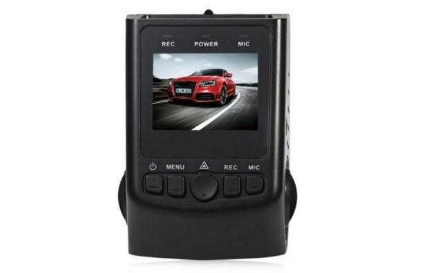 A118C Car DVR има размери 7,00x5,00x4,00 см и тежи само 64 грама