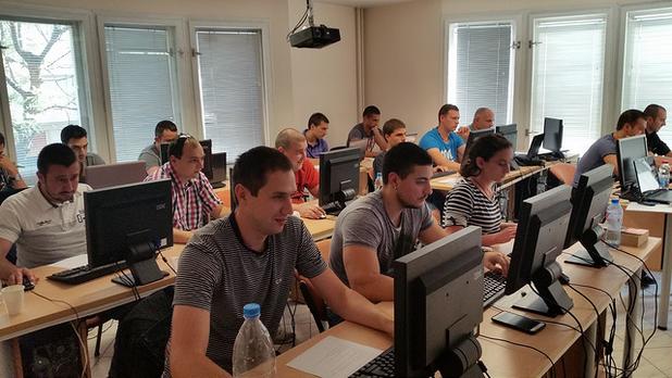 Курсистите в Open Academy ще получат теоритична и практическа подготовка от опитни специалисти в сферата на технологиите