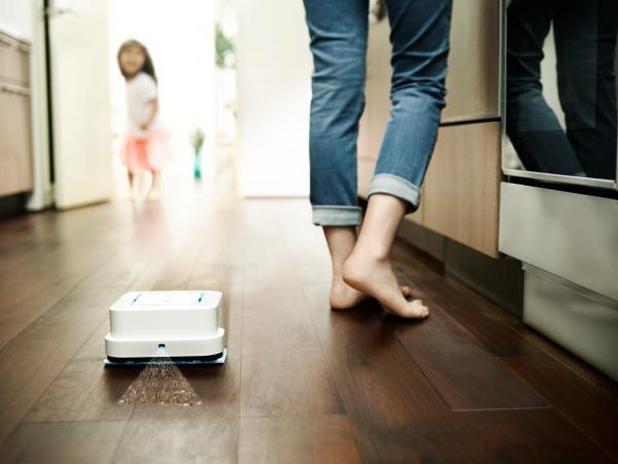 Първият продукт от серия подочистачки на iRobot, управляван чрез мобилно приложение вече, излиза на пазара у нас през октомври