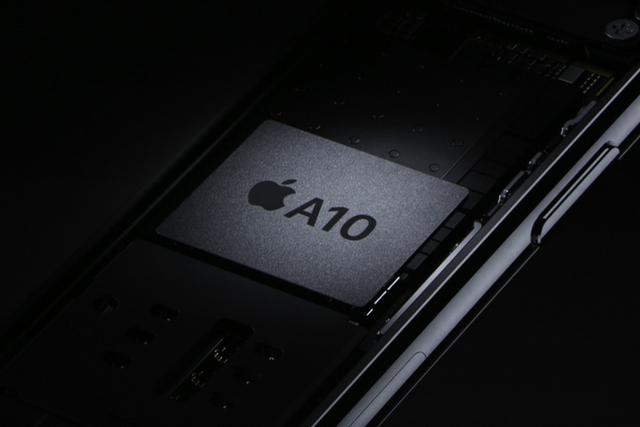 Опасенията за слабо търсене на новия iPhone изглежда няма да се оправдаят