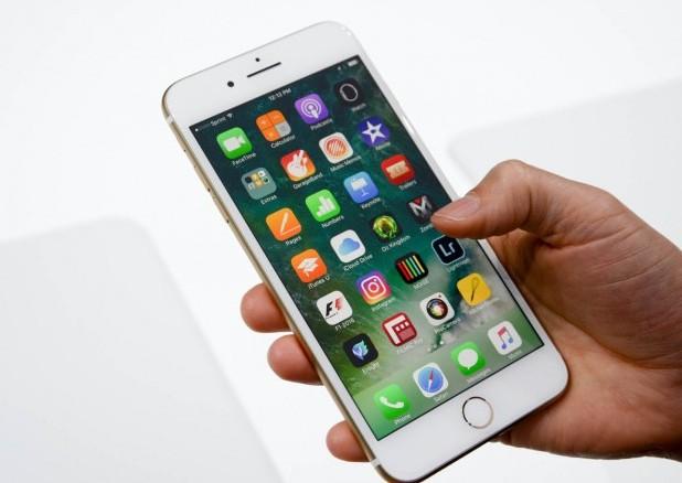 Новият смартфон на Apple регулярно губи връзка в LTE мрежите на Verizon и AT&T