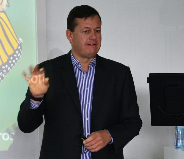 """Темата за дигитализацията не е """"запазена територия"""" за ИТ екипите, тя е на дневен ред пред самите главни изпълнителни директори, заяви Майкъл Кьогелер от Microsoft"""